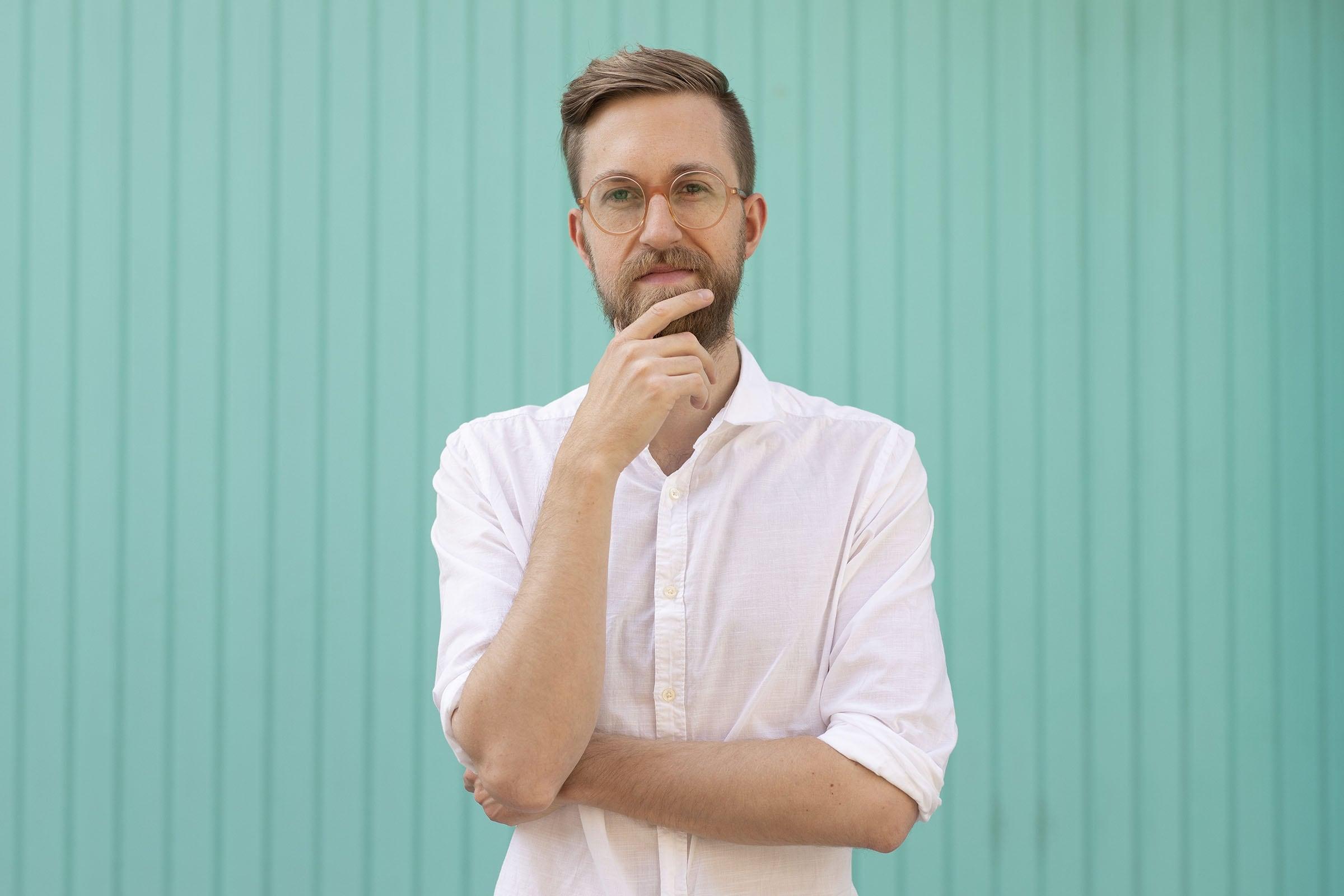 A portrait of Florian Schulz